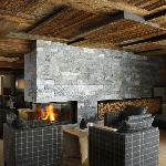  La nuova hall con caminetto - The new lobby with fire place