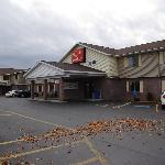 Front of Econo Lodge
