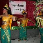  balinese dancers upstairs at reception