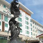  the seven clans statue and the hotel front
