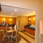 Comfort Suites Northeast resmi