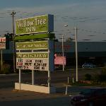 Willow Tree Inn resmi