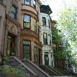 ‪A Slice of Brooklyn Neighborhood Tour‬