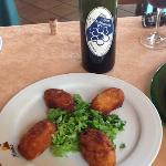 Croquetas dePerdiz y vino de cosecha propia