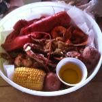 the 1lb lobster old bay shrimp and garlic crab combo at bum Rogers yummy!!