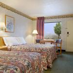 Travel Inn White Pine Foto