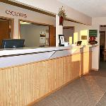 IAEcono Lodge Frt Desk