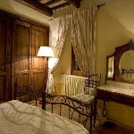BENOZZO APARTMENT, THE MAIN BEDROOM