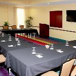  Meeting Room - U-Shape Style