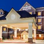  CountryInn&amp;Suites CollegeStation ExteriorNight