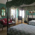 صورة فوتوغرافية لـ ‪Tanglewood Manor House Bed and Breakfast‬
