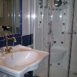 BAÑO DE LA SUITE JR