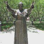  Pope John Paul ll statue at St Mary&#39;s Basilica