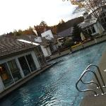 Nice outdoor pool - Hawk Inn & Mountain Resort