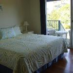 King size bed plus ensuite, tv, lounge chairs