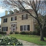 Morehead Manor Bed & Breakfast