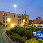 ‪Comfort Inn Near Fort Bragg‬