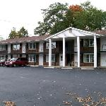 Coachman Motor Lodge