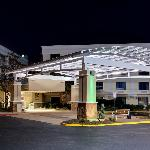 Holiday Inn &amp; Suites Atlanta Airport - North