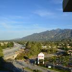 Photo de Courtyard by Marriott Los Angeles Pasadena/Monrovia
