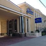 Days Inn & Suites - Near Knotts Berry Farm