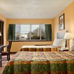Days Inn and Suites Groton照片