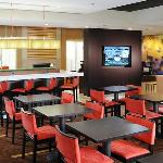 ‪Courtyard by Marriott Houston Hobby Airport‬