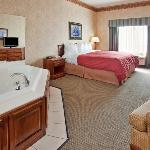 CountryInn&Suite Somerset WhirlpoolSuite