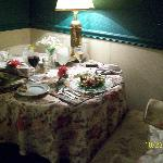  Drayton Library/In-room dining