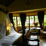 Fox's Hill Guest House resmi