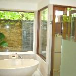 Ensuite/outdoor shower