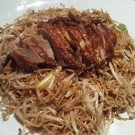 Fried noodles with Peking duck
