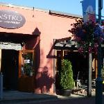 Bistro 694