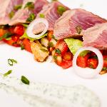 Seared tuna with pomelo salsa