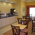 Фотография La Quinta Inn & Suites Slidell - North Shore Area
