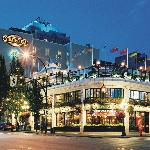 Strathcona Hotel and Sticky Wicket Pub