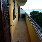  balcony (spacious)
