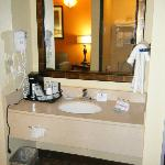 BEST WESTERN PLUS Midwest Inn & Suites resmi