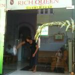 Rich Queen Guesthouse