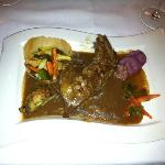 Pintade in a spiced sauce with almonds, a medieval recipe