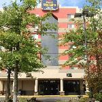 BEST WESTERN PLUS East Mountain Inn & Suites Wilkes-Barre