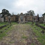 Angkor Travel Guide Day Tours