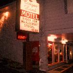 Photo de Cougar Land Motel