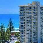 ‪Surfers Beachside Holiday Apartments‬