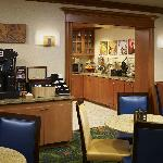  Early Eats Daily Deluxe Continental Breakfast
