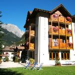 Photo of Hotel Zurigo Molveno