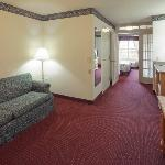 Фотография Country Inn & Suites by Carlson Milwaukee Airport