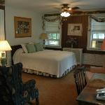 Genesee Country Inn Bed and Breakfast resmi