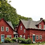 Woods Hole Passage Bed and Breakfast Inn