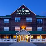  CountryInn&amp;Suites CottageGrove ExteriorNight